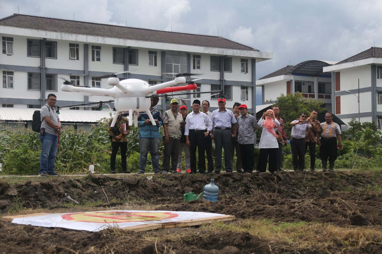TheTrial Smart Drone by Lecturer of the Faculty of Agriculture and Animal Husbandry (FPP) Dr. Ir.