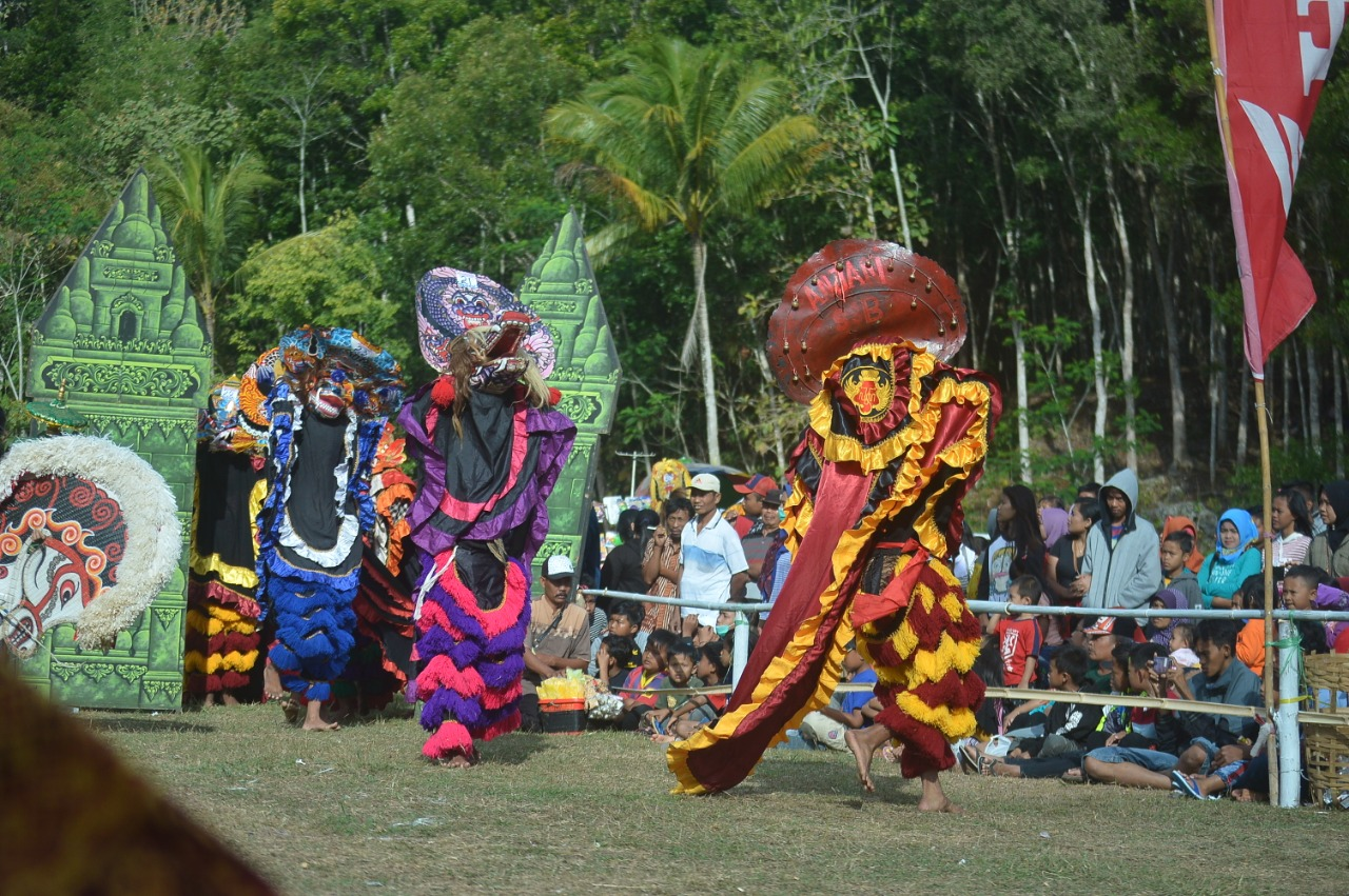 Barongan Art Performance. (Photo: Special) Students of the University of Muhammadiyah Malang (UMM)